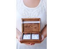 Pudełko na obrączki ślubne - z koronką