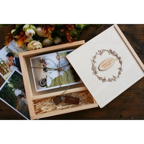 Drewniane pudełko na zdjęcia + pendrive -  PERSONALIZACJA