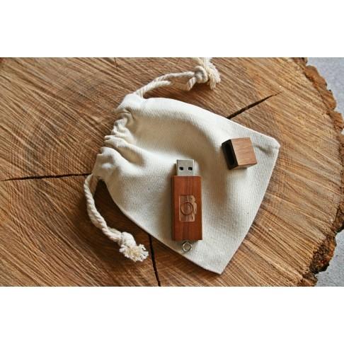 Drewniany pendrive 16 GB + lniany woreczek